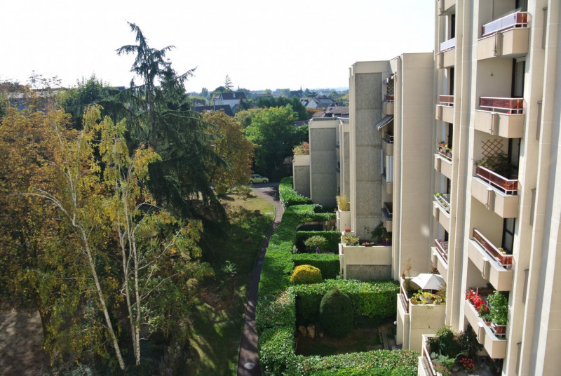Sale apartment Le raincy 200 000€ - Picture 1