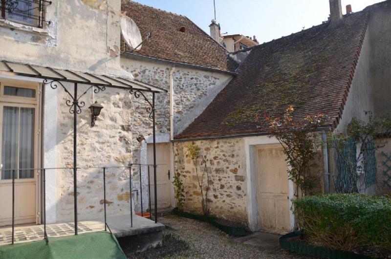 Sale house / villa Fontaine le port 270000€ - Picture 8