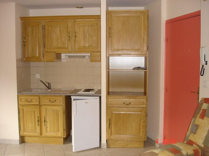 Rental apartment Bourgoin jallieu 384€ CC - Picture 3