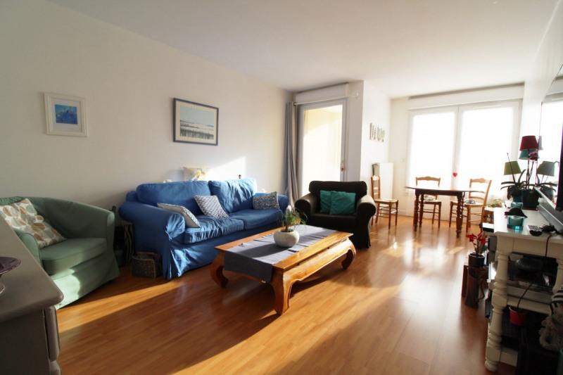 Sale apartment Maurepas 211000€ - Picture 1