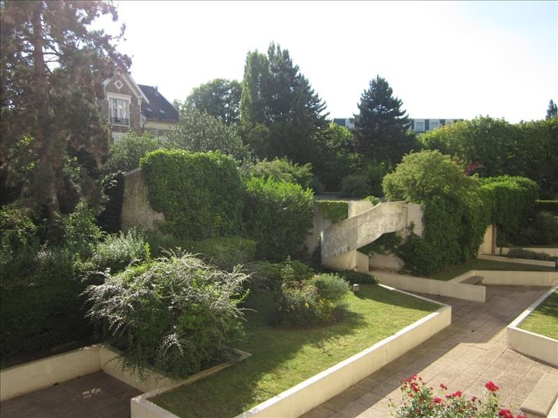 Sale apartment Versailles 650 000€ - Picture 2