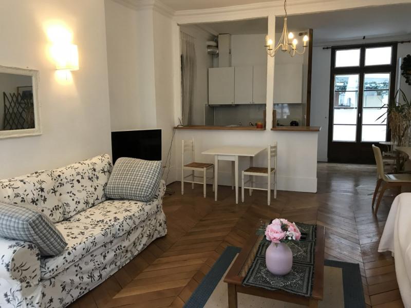 Rental apartment Paris 8ème 2790€ CC - Picture 3