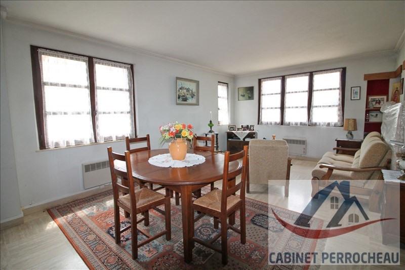 Sale house / villa La chartre sur le loir 134000€ - Picture 5