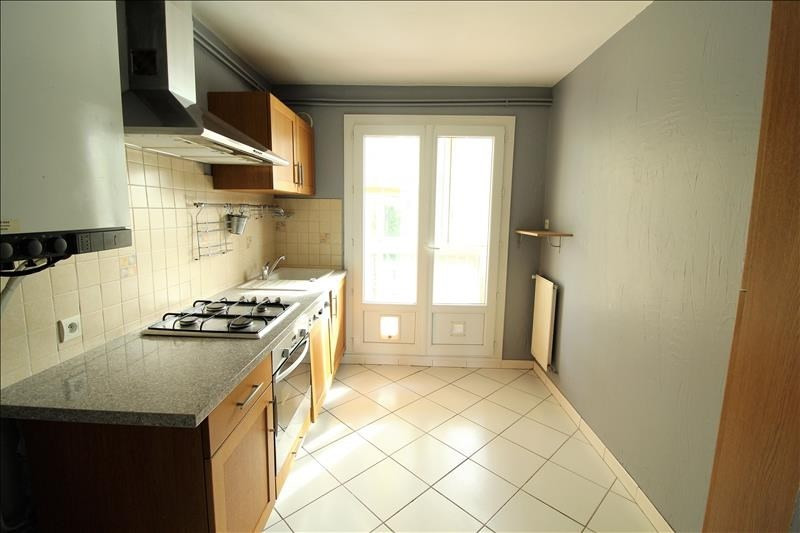 Sale apartment Voiron 119 000€ - Picture 2