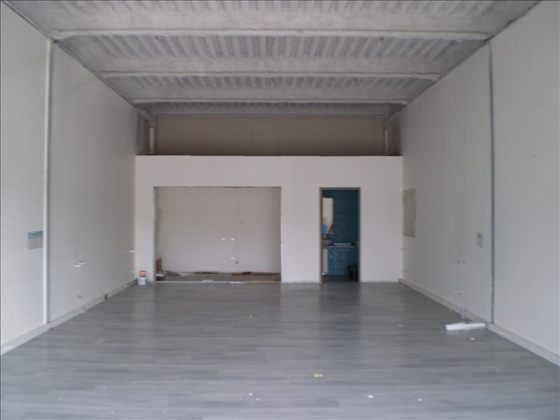Location local commercial Auch 82€ HT/HC - Photo 2