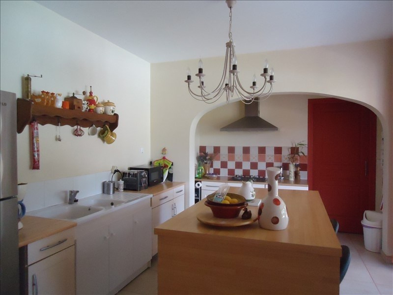Deluxe sale house / villa Vives 660000€ - Picture 3