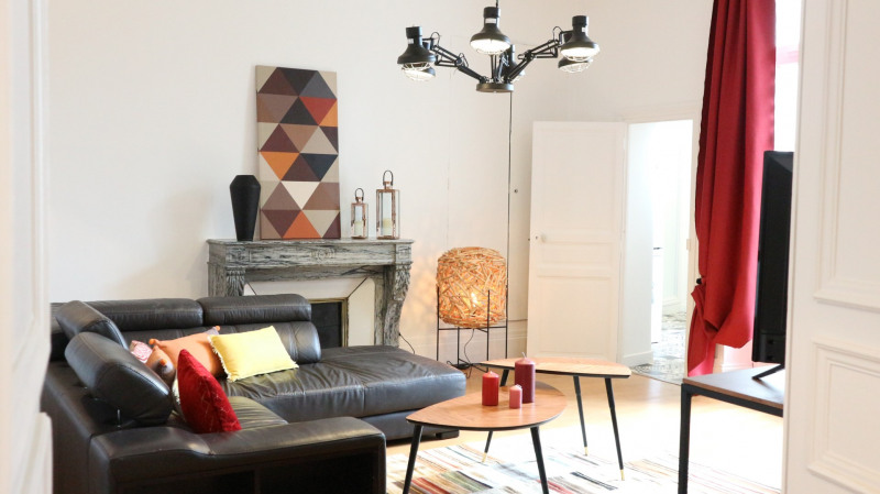 Rental apartment Fontainebleau 2 300€ CC - Picture 1