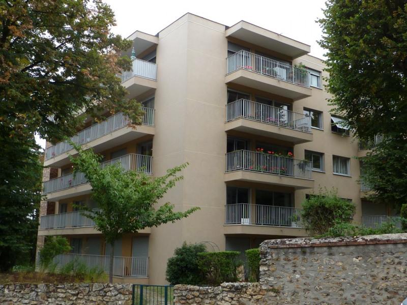 Rental apartment Orsay 703€ CC - Picture 1