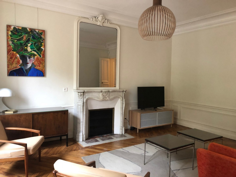 Rental apartment Paris 8ème 2 995€ CC - Picture 2