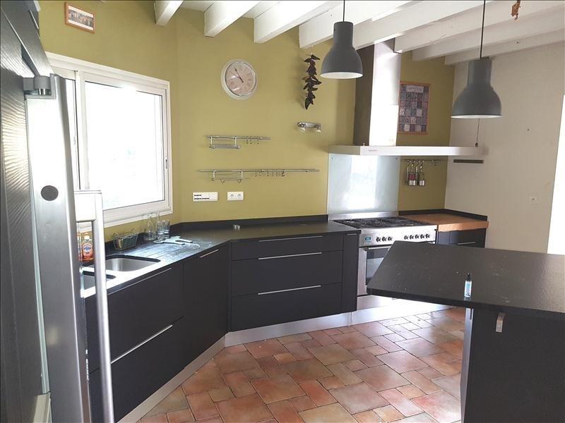 Sale house / villa Gelos 399000€ - Picture 3
