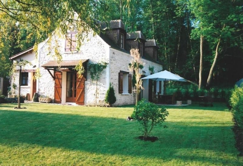 Sale house / villa Montfort l amaury 545000€ - Picture 1