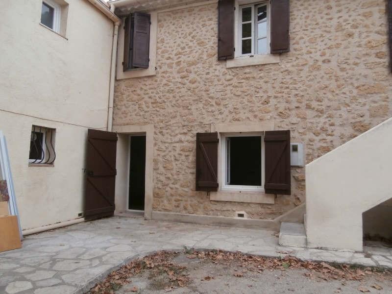 Rental apartment Salon de provence 540€ CC - Picture 1
