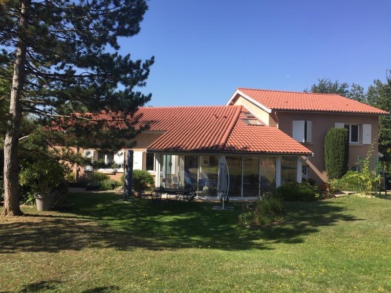 Deluxe sale house / villa La tour de salvagny 710000€ - Picture 1