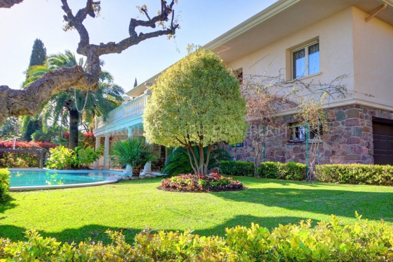 Vente de prestige maison / villa Mandelieu 1390000€ - Photo 2