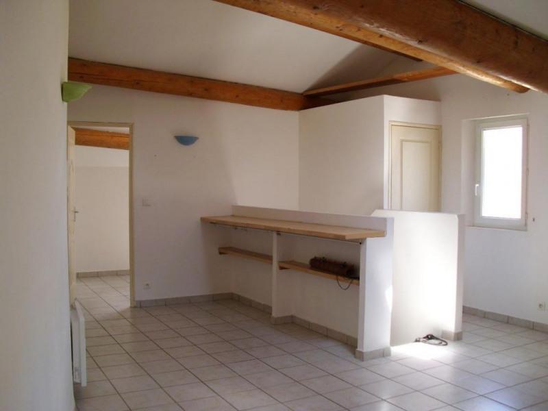 Rental apartment Entraigues sur la sorgue 410€ CC - Picture 3