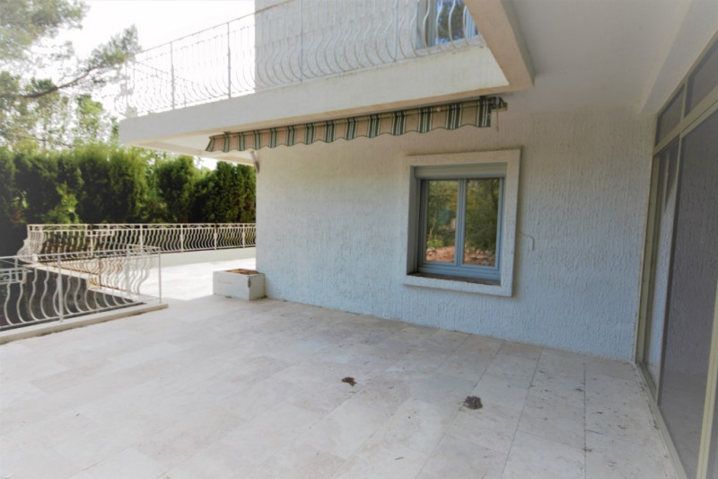 Rental apartment Meyrargues 1 330€ CC - Picture 6