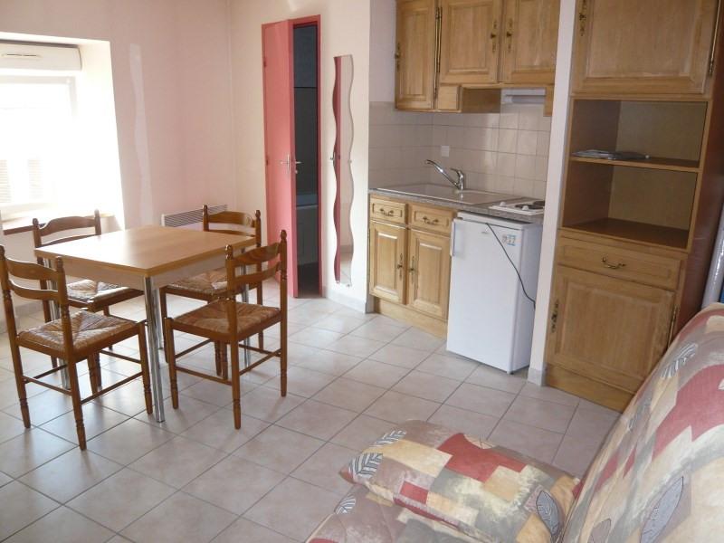 Rental apartment Bourgoin jallieu 384€ CC - Picture 1