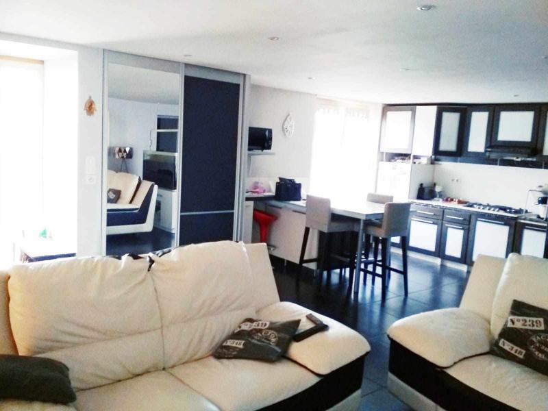 Vendita appartamento Saint-genest-lerpt 189000€ - Fotografia 13