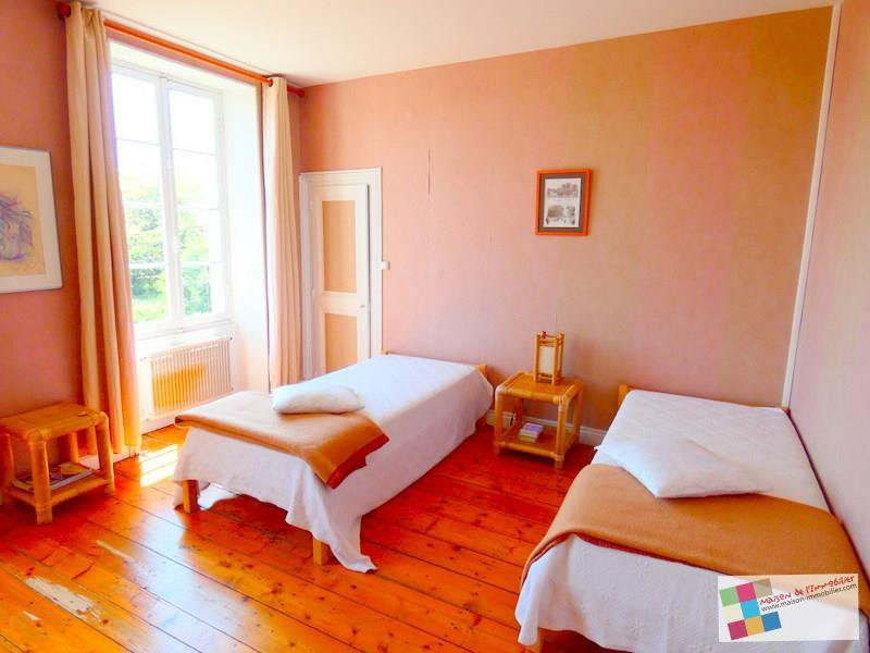 Sale house / villa Salles d'angles 418700€ - Picture 7