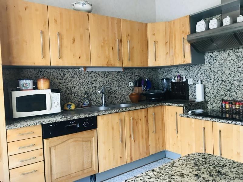 Sale house / villa Arsac 430000€ - Picture 3