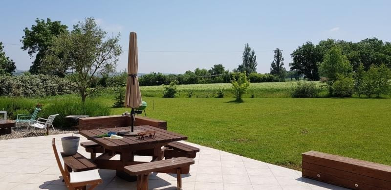 Vente maison / villa L isle jourdain 237300€ - Photo 2