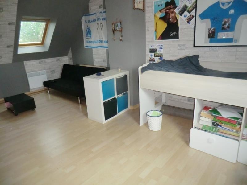 Sale house / villa Parce 145600€ - Picture 6