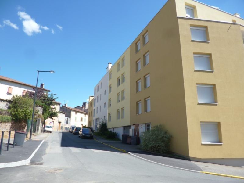 Location parking Tarare 57€ CC - Photo 1