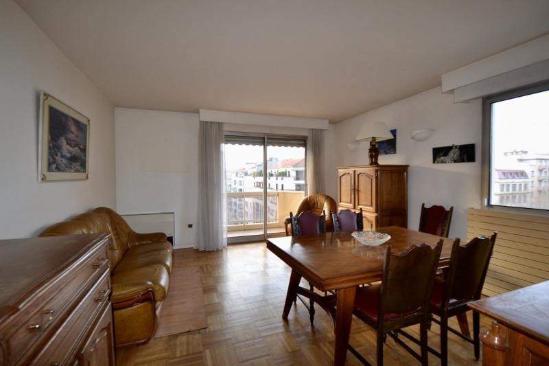 Sale apartment Lyon 6ème 375000€ - Picture 2