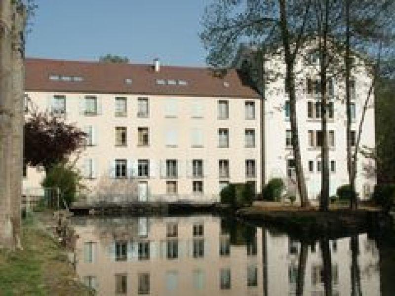 Rental apartment Lardy 506€ CC - Picture 1