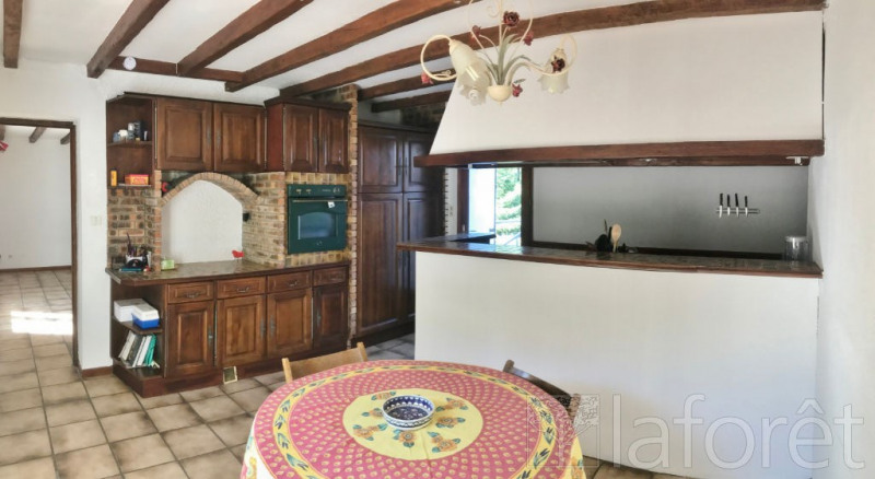 Sale house / villa Maubec 255 000€ - Picture 3