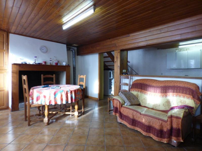 Sale house / villa Laplume 69900€ - Picture 2