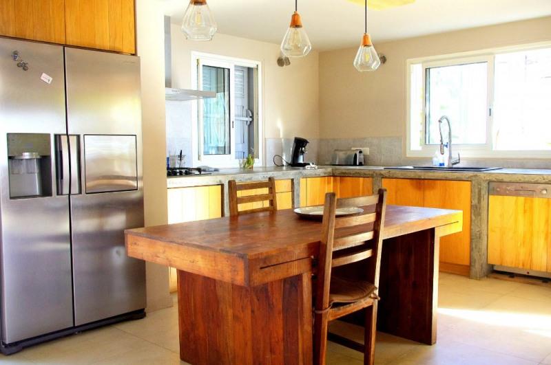 Vente de prestige maison / villa Saint gilles les bains 750750€ - Photo 3