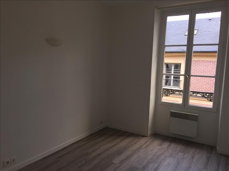 Rental apartment Versailles 870€ CC - Picture 3