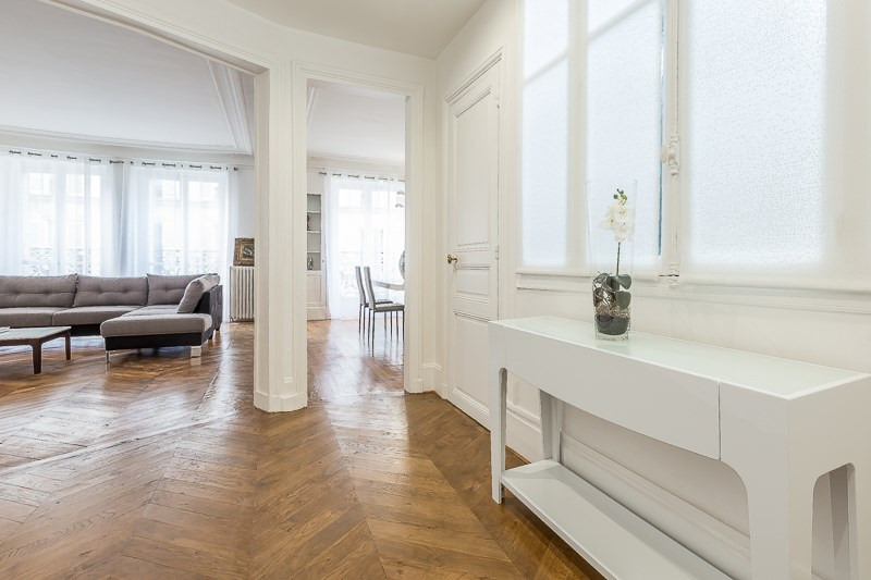 Location appartement Paris 16ème 5 500€ CC - Photo 2