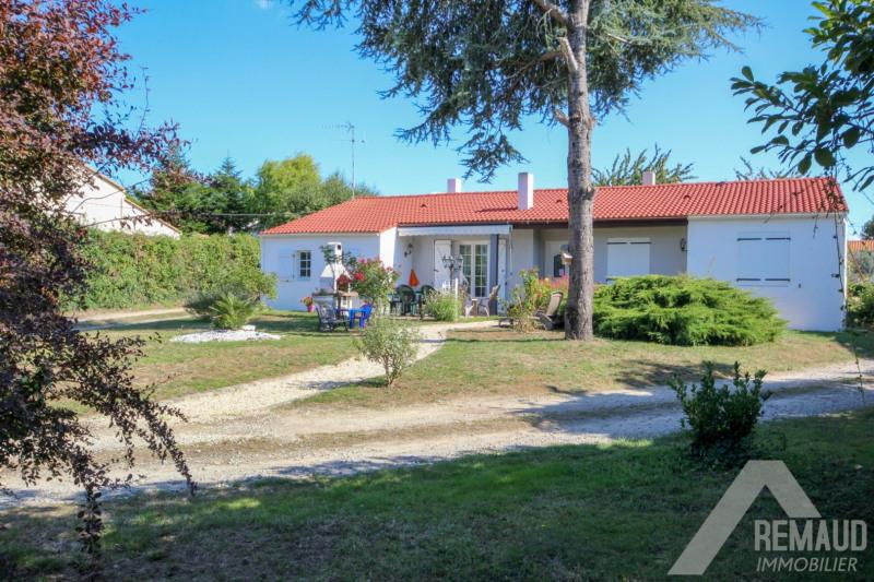 Sale house / villa Aizenay 241940€ - Picture 1