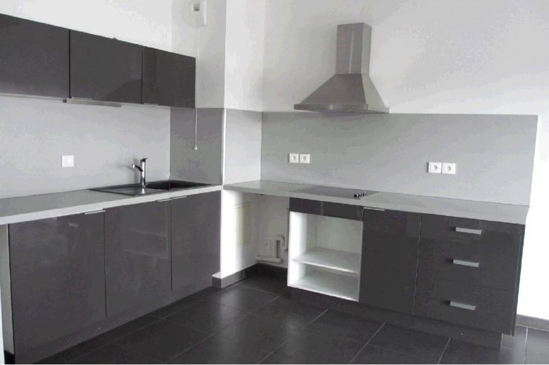 Rental apartment Seynod 1158€ CC - Picture 2