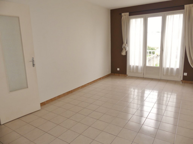 Location appartement Pont l abbe 350€ CC - Photo 1