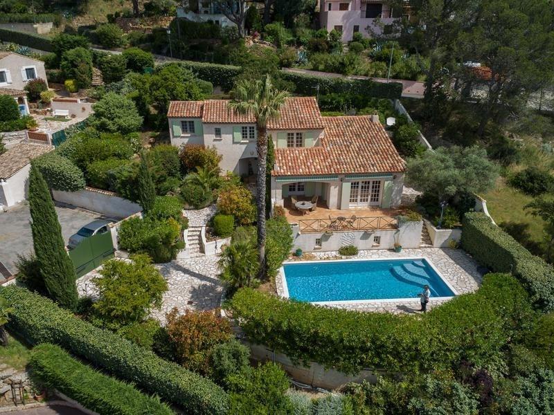 Deluxe sale house / villa Roquebrune sur argens 649000€ - Picture 1