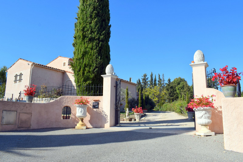 Revenda residencial de prestígio casa Montauroux 586000€ - Fotografia 8