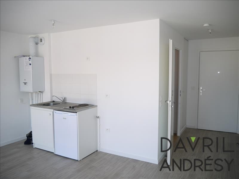 Locação apartamento Chanteloup les vignes 435€ CC - Fotografia 2