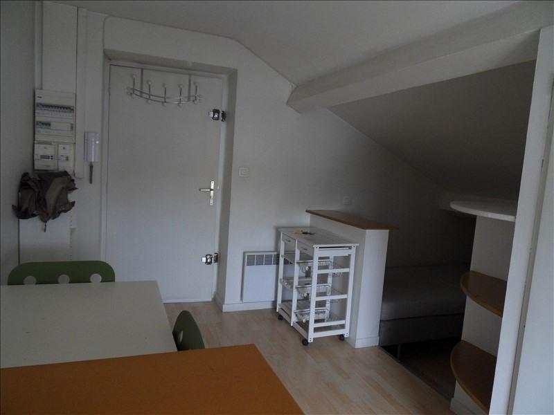 Alquiler  apartamento Lyon 8ème 384€ CC - Fotografía 1