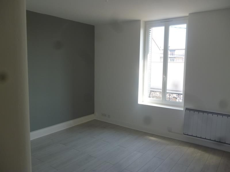 Location appartement Roanne 383€ CC - Photo 4