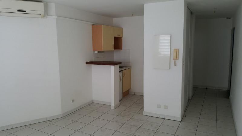 Location appartement St denis 359€ CC - Photo 2
