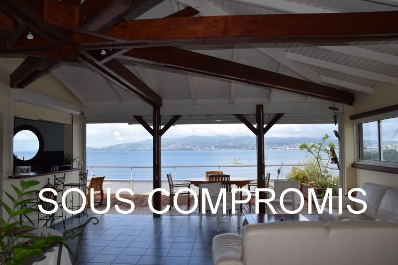 Sale apartment Les trois ilets 385000€ - Picture 1