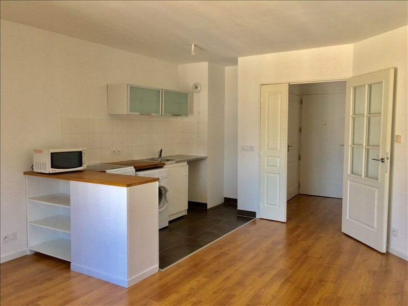 Location appartement Clichy 1 000€ CC - Photo 2