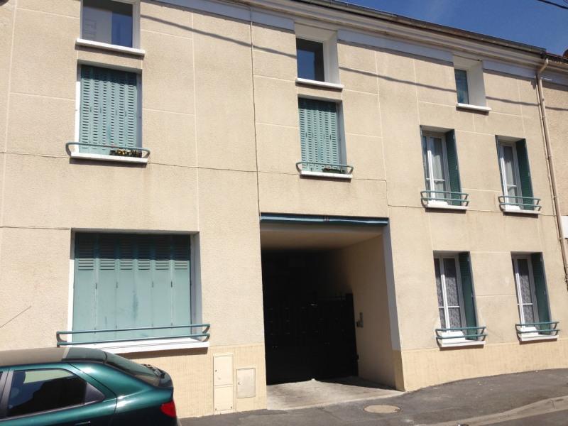 Rental apartment Pierrelaye 877€ CC - Picture 1