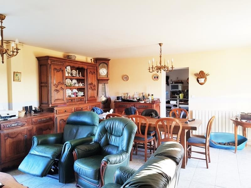 Sale house / villa Guilly 149000€ - Picture 4