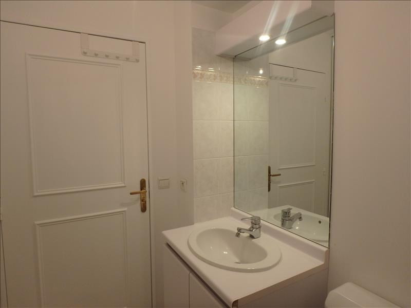 Location appartement Versailles 742€ CC - Photo 2