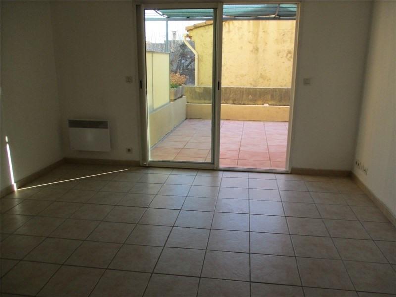 Verhuren  appartement Eyguieres 589€ CC - Foto 3
