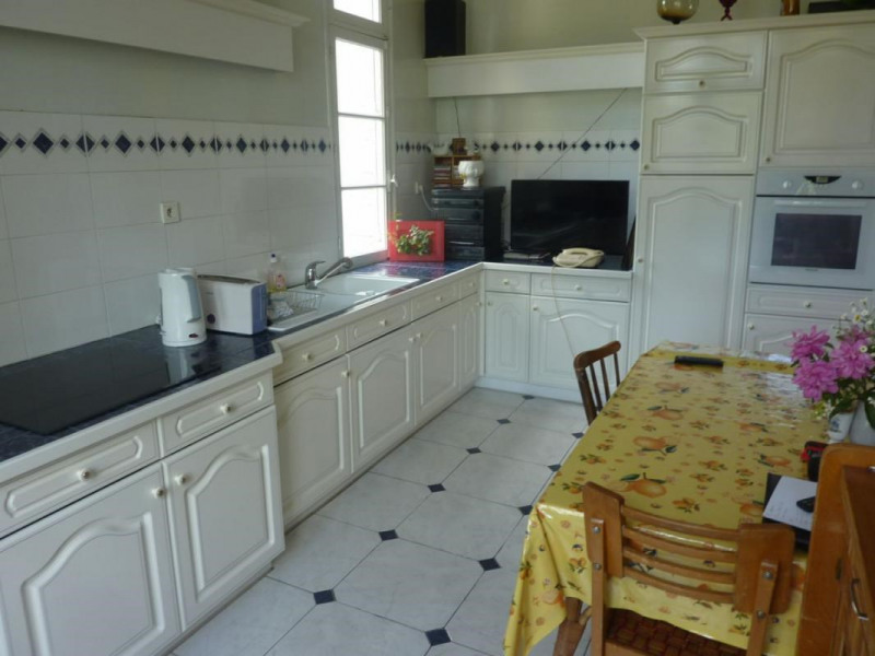 Sale house / villa Livarot 294000€ - Picture 2
